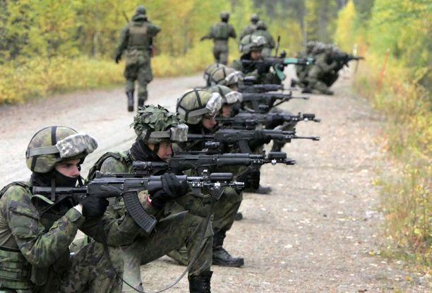 Uudet kiväärit tulevat tarkka-ampujan ja ryhmän tukiampujan käyttöön.