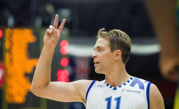 Petteri Koponen johdatti Suomen voittoon.
