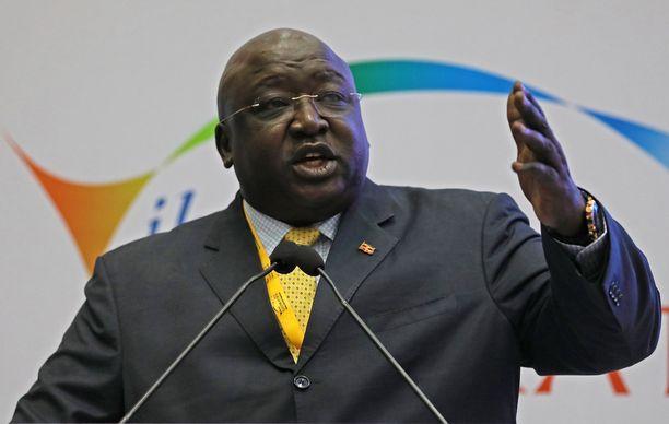 Ugandan ulkoministeri Oryem Okello syyttää karkuria petturiksi.