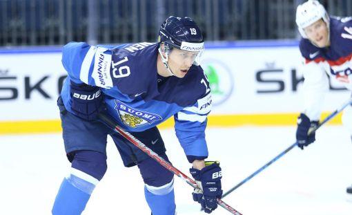 Veli-Matti Savinainen ja Leijonat etenivät upeasti MM-mitalipeleihin.