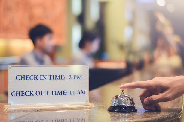 Viikonloppureissun hinta laskee, jos lähtee matkaan vasta lauantaiaamuna. Laukut voi silloin jättää hotelliin säilytykseen, vaikkei huonetta vielä saisikaan.