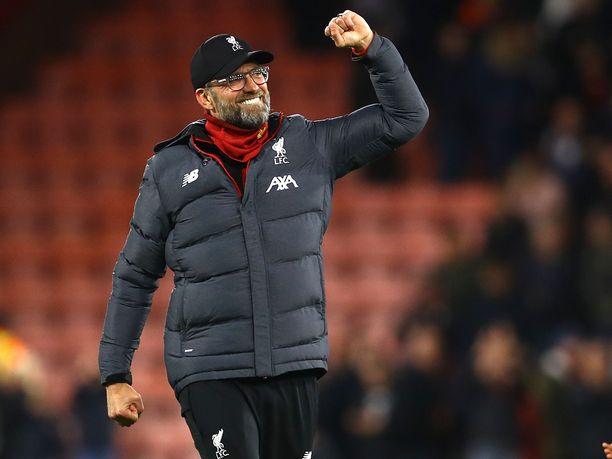 Jürgen Kloppin luotsaama Liverpool johtaa Valioliigaa.