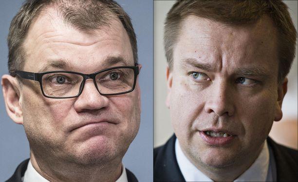 Pääministeri Juha Sipilä ja keskustan eduskuntaryhmän puheenjohtaja Antti Kaikkonen arvioivat, että sote- ja maakuntauudistuksen aikataulu saattaa lykkääntyä.