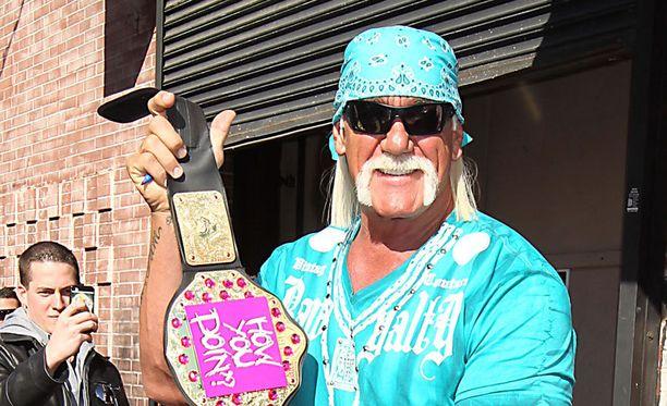 Hul Hoganin asianajajan mukaan painija ei tiennyt, että häntä oli kuvattu seksivideon tapahtuma-aikaan.