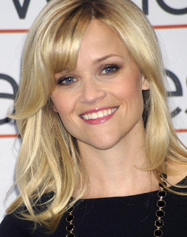 Reese Witherspoon ei valinnut toisiin häihinsä perinteistä valkoista.