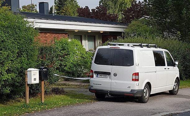 Mies oli saanut surman uhriin liittyvän laajennetun lähestymiskieltotuomion elokuun alussa.