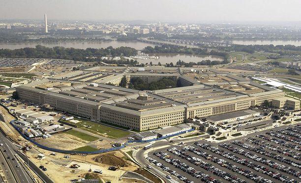 Yhdysvaltain puolustusministeriö Pentagon myöntää huippusalaisen ufo-ohjelmansa, mutta sanoo sen tulleen lakkautetuksi vuonna 2012.