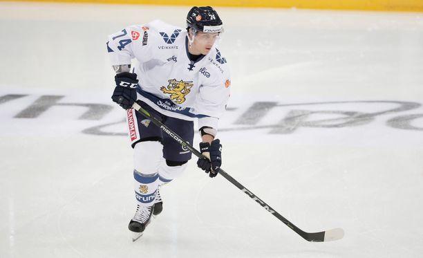 Antti Erkinjuntti palaa Tapparaan.