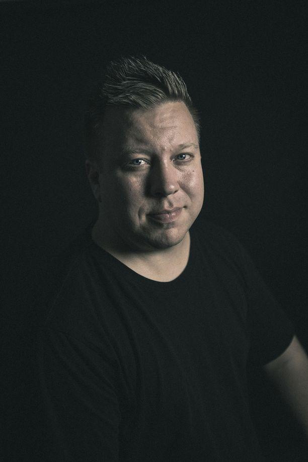 Markus Salo nauttii myös musiikin tekemisestä.