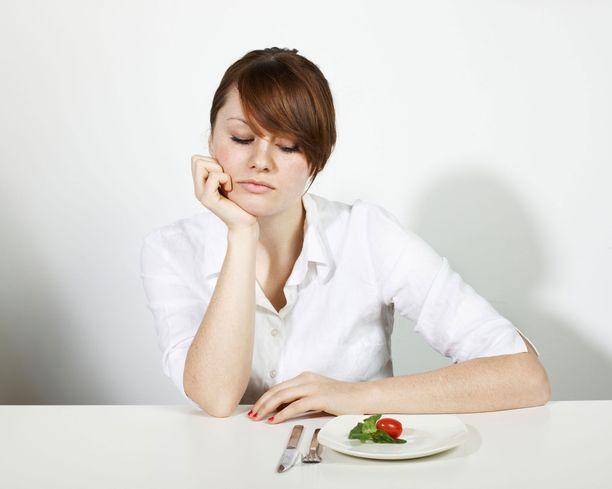 Sydän murtuneena stressitasot ovat korkealla. Tällä on vaikutusta ruokahaluun.