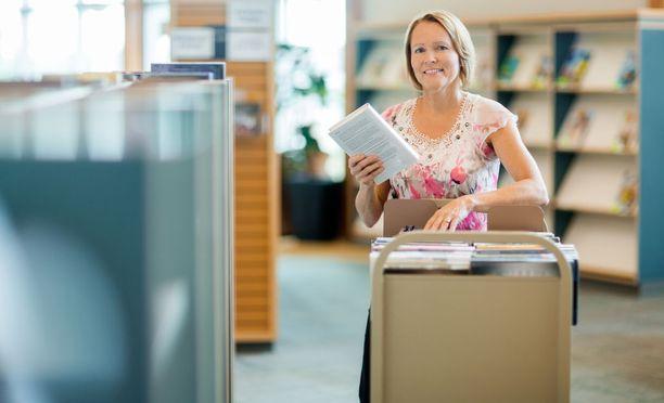 Kirjastonhoitajiksi on enemmän hakijoita kuin on työpaikkoja.