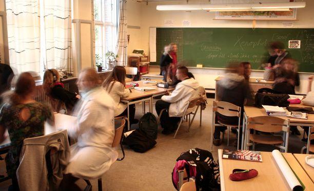 Opettajan potkut puhuttavat Suomessa.