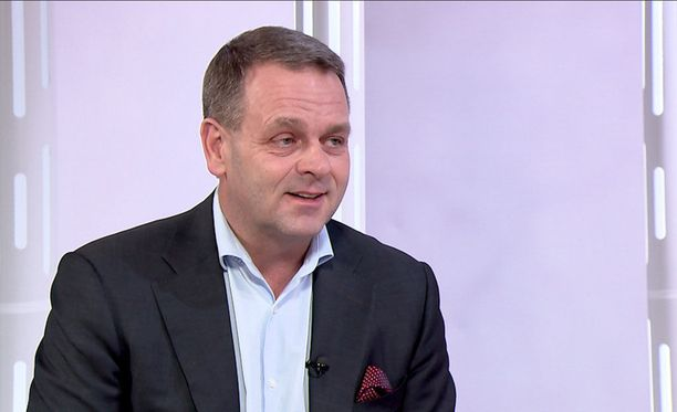 Pormestari Jan Vapaavuoren näkemyksen mukaan pääministerin tehtävät ovat vaativampia suuryrityksen johtajan työhön verrattuna.
