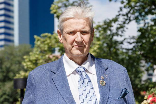 Matti Nykäsen managerinakin toiminut Carl Danhammer eroaa Paula-vaimostaan.