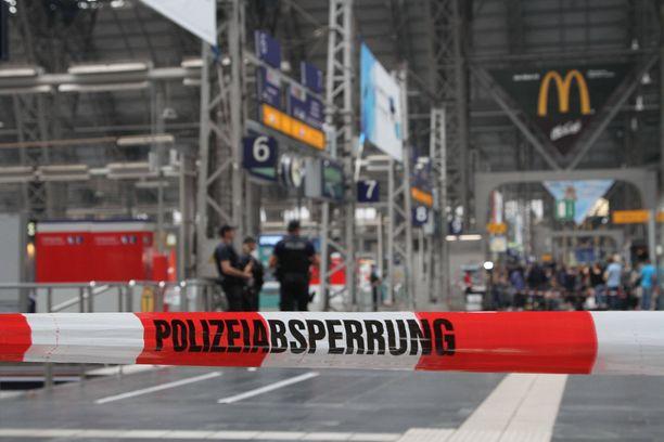 Frankfurtissa oli iso poliisioperaatio viimeksi maanantaina, kun 8-vuotias työnnettiin junan alle.