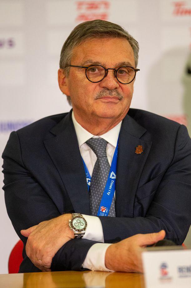 IIHF:n puheenjohtajan Rene Faselin toimikausi päättyy tähän kauteen.