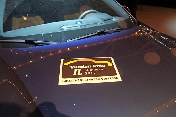 Lukijat valitsivat Volvon voittajaksi.