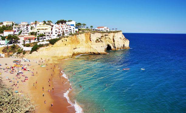 Rantojensa ohella Algarve tunnetaan golfausmahdollisuuksistaan.