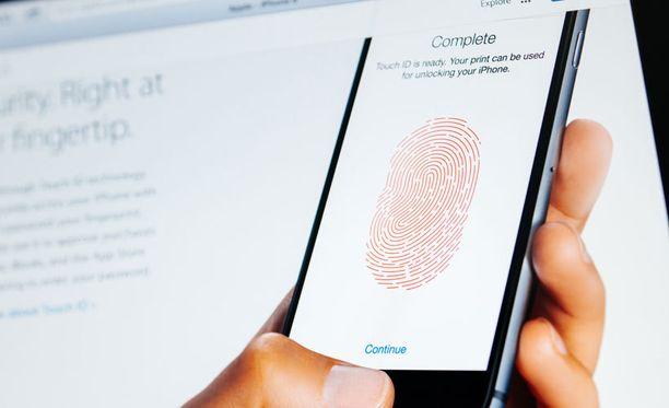 Muun muassa Applen uudet puhelimet käyttävät sormenjälkitunnistusta.