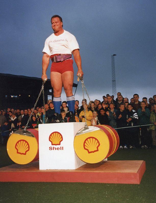 Riku Kiri ja painonpito 200 kilolla vuonan 1998.