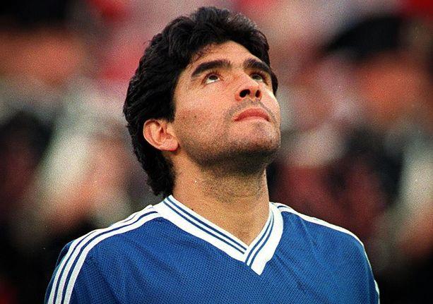 Maradona Italian MM-kisoissa vuonna 1990.