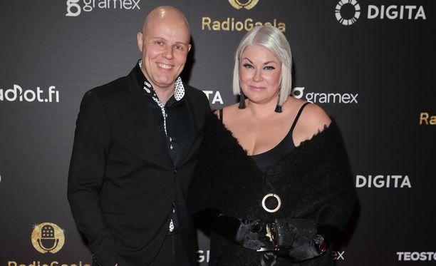 Aki Linnanahde ja Minna Kuukka joutuivat äskettäin rajun ulkonäkökritiikin kohteeksi.