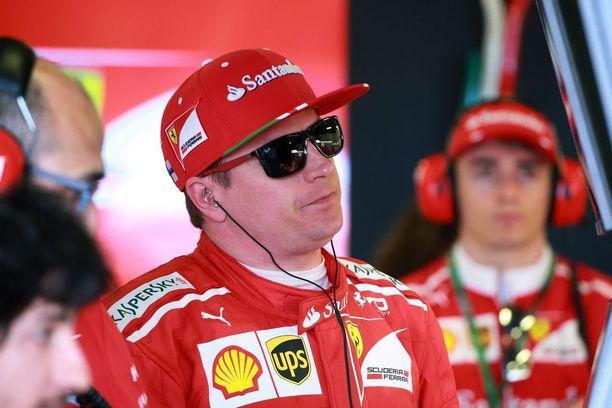 Charles Leclerc (taustalla) oli viime kaudella vielä sivustaseuraaja F1:ssä, kun hän ajoi F2:n mestariksi. Tällä kaudella monacolaisnuorukainen on ollut erittäin näkyvässä roolissa myös kuninkuusluokassa, ja Sky Sports -asiantuntija Martin Brundle pitääkin häntä varteenotettavana vaihtoehtona Ferrarin ensi kauden kuljettajaksi.