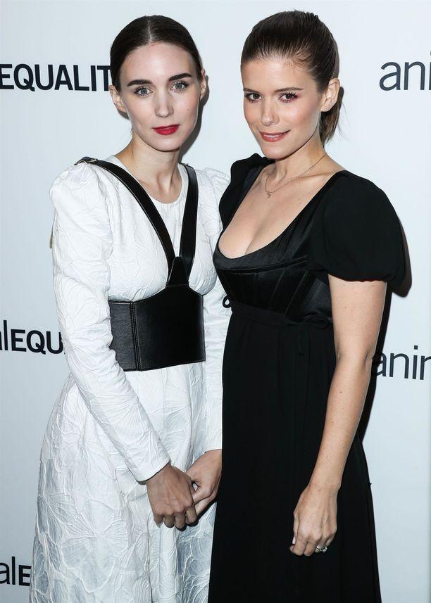 Rooney ja Kate Mara