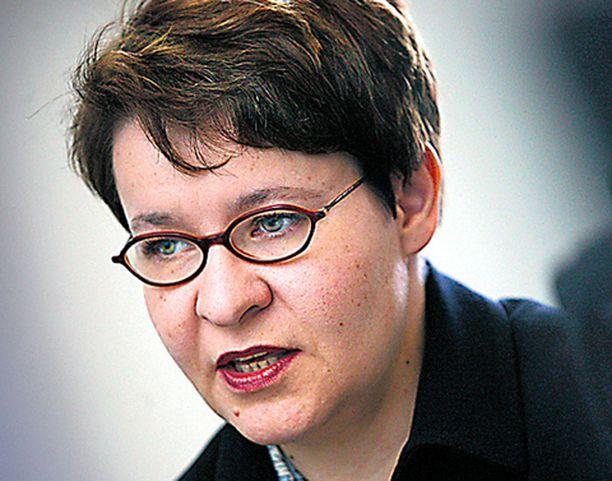 Nuorisotyöttömyys vaatii nyt tositoimia, työministeri Tarja Filatov.