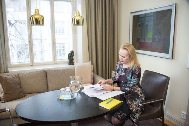 Minna Helle aloittaa Teknologiateollisuuden työmarkkinajohtajana kesäkuun alussa.