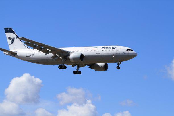 Ruotsin ja Iranin välillä liikennöi lentoyhtiö Iran Air.