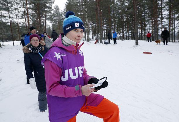 Annmari Viljanmaa on kansainvälisen huipputason hiihtotuomari.