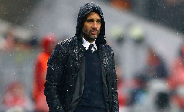 Josep Guardiola siirtyy Manchester Cityn manageriksi.