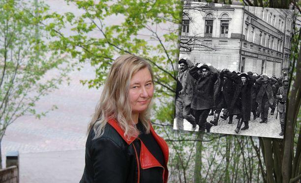 Tutkija Marjo Liukkonen on selvittänyt, että Hennalan punavankileirillä Lahdessa oli vuonna 1918 paljon enemmän naisvankeja kuin aiemmin on kerrottu. Lisäksi siellä oli lähes 300 lasta, vaikka lapsia ei pitänyt olla leirillä lainkaan.