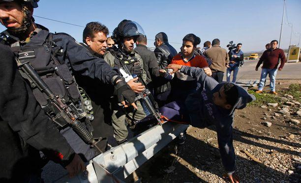Israelilaissotilaat ottivat tammikuussa yhteen uusia siirtokuntia vastustavien palestiinalaisten kanssa.