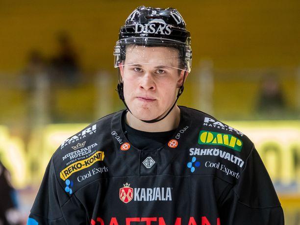 Jesse Puljujärvi on tehnyt tällä kaudella Kärpissä 50 ottelussa tehot 21+28=49.