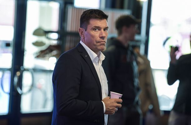 Riku Kallioniemi työskentelee Jääkiekon SM-liiga Oy:n toimitusjohtajana.