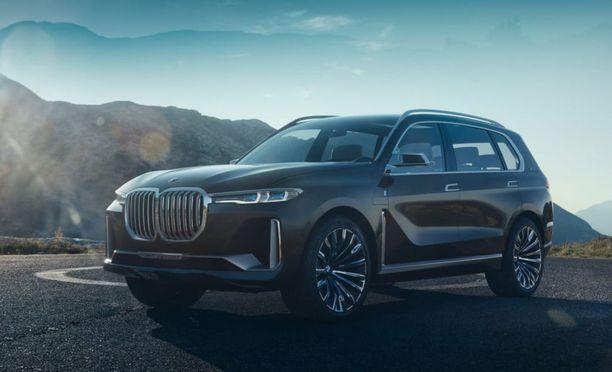 BMW esittelee Frankfurtissa myös uuden ison X7 -katumaasturin konseptiversion. Kuusipaikkainen X7 Perfomance on plug-in hybridi eli siinä on sähkömoottori Twin Power - bensiinimoottorin parina.