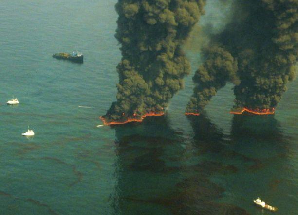 Deepwater Horizon -öljylautalla sattunut räjähdys aiheutti massiivisen ympäristökatastrofin Yhdysvaltojen etelärannikolla vuonna 2010.