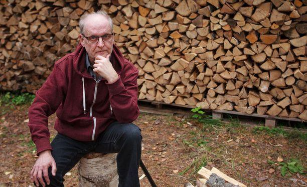 64-vuotias Eso Koistinen kertoi aiemmin Iltalehdessä saaneensa potkut vain paria kuukautta ennen eläkeikää.