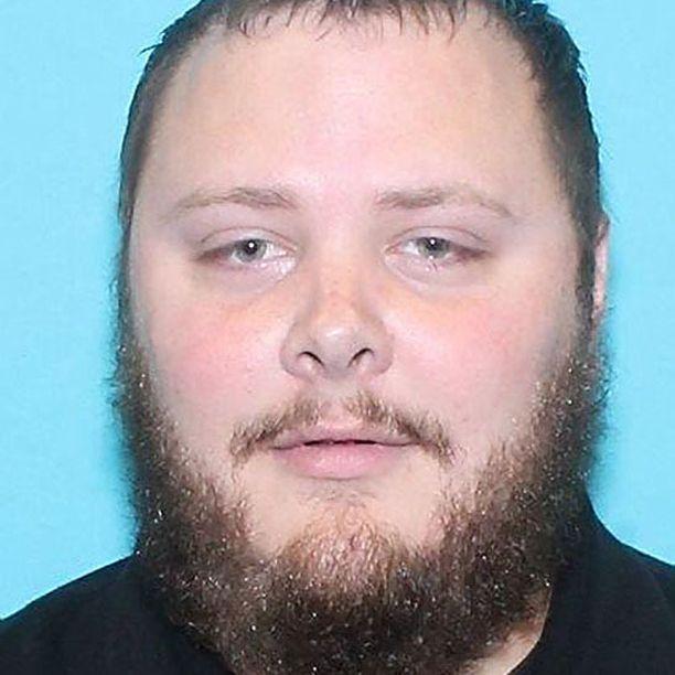 Texasin ampuja on 26-vuotias mies, joka työskenteli vartijana.