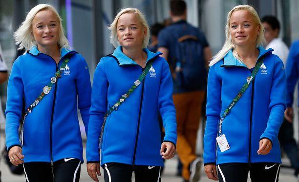 Leila, Liina ja Lily Luik - ainakin kuvatoimiston tietojen mukaan.
