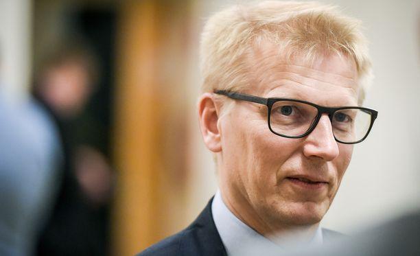 Maatalousasiat siirtyivät Kimmo Tiilikaisen salkusta toukokuun alussa Jari Lepälle.