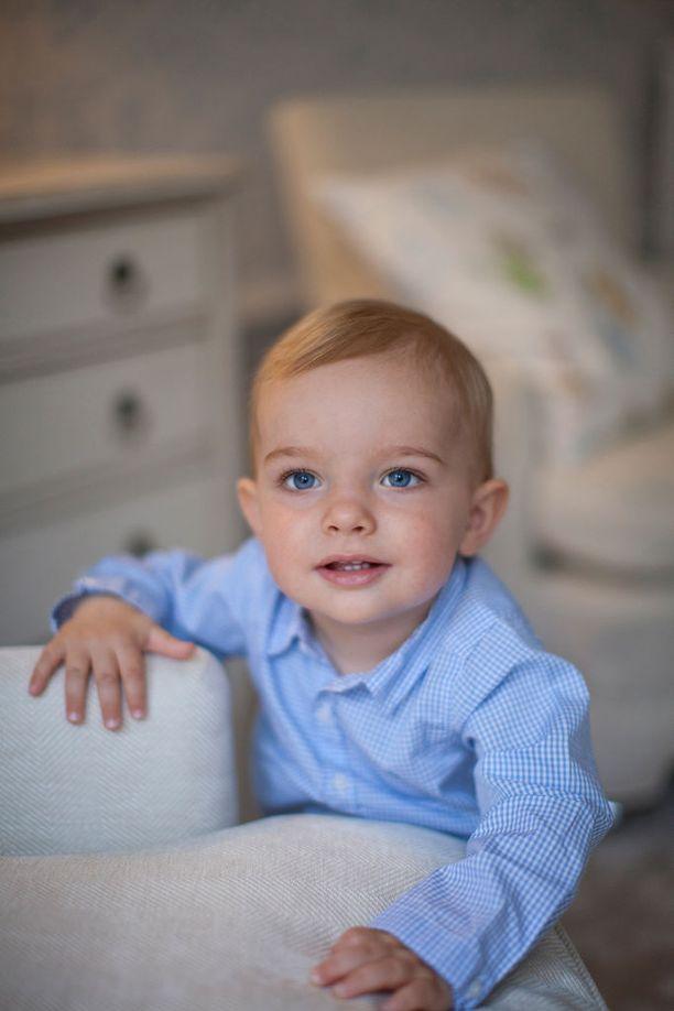 Näin herttaisena Nicolas nähtiin 1-vuotissyntymäpäivänään.