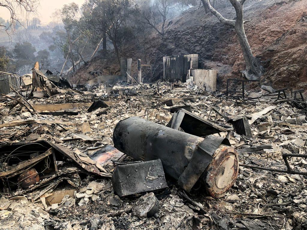 """Kun suomalainen Laura palasi kotitilalleen Kaliforniassa, hän kohtasi täyden hävityksen - """"Kaikki oli palanut maan tasalle"""""""