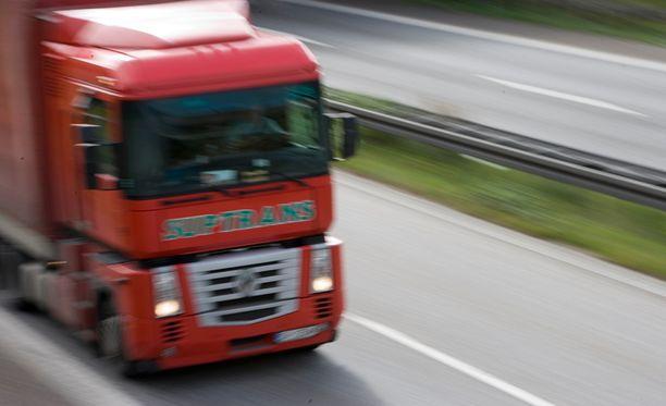 Kolmannes raskaan liikenteen kuskeista kärsii väsymyksestä, joka vaarantaa turvallisuutta.
