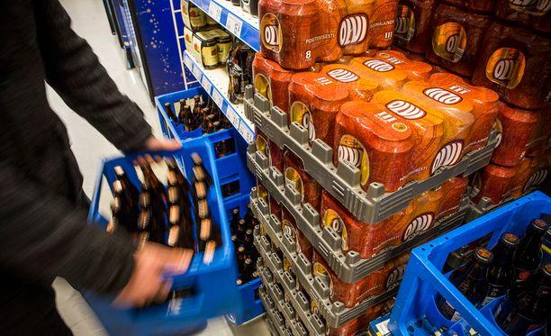 Kauppojen omat tuotemerkit ja Viron-tuonti laskevat oluen hintaa tuntuvasti.
