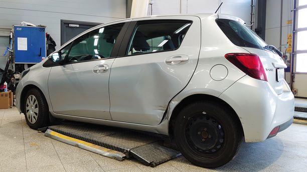 Rinta-Joupin Autoliikkeen kolarikorjaamossa asiointi on helppoa. Kolarin sattuessa asiakkaan puolesta hoidetaan kaikki, myös sijaisauto käyttöön korjauksen ajaksi.