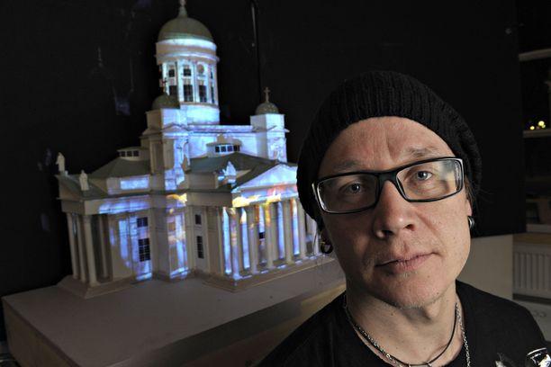 Valo- ja lavastussuunnittelija Mikki Kunttu on kolmatta kertaa mukana suunnittelemassa Euroviisuja.