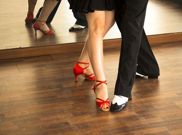 Tanssiessa lihakset vahvistuvat kuin huomaamatta.